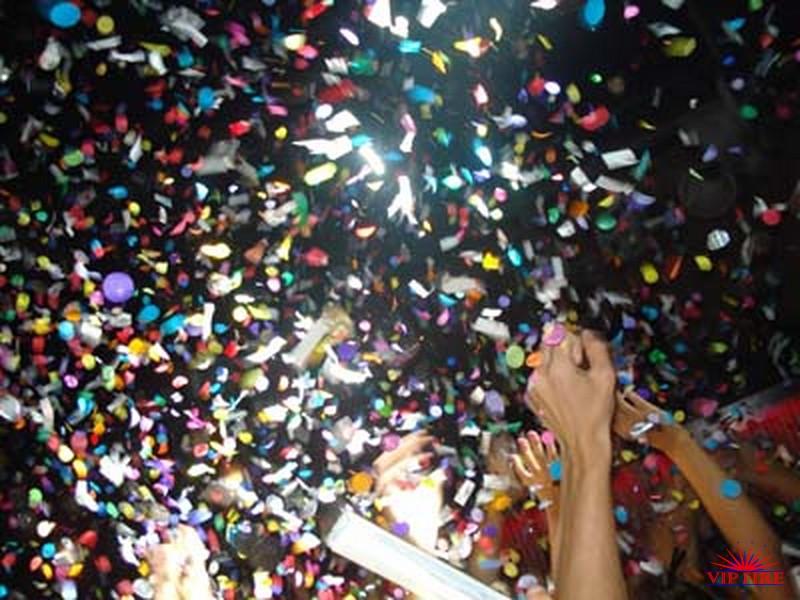 http://vipfire.ru/images/stories/galleries/konfetti/cenukonfetti/konfetti9.jpg